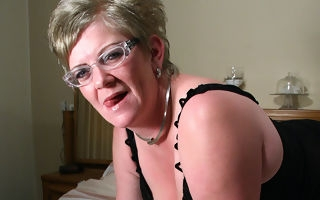 Mature Natalie loves on every side obtain wringing wet on her wainscot