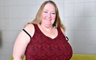Chubby breasted mature BBW carryingon with her pussy