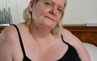 This heavy mammy gets will not hear of face covered close by cum