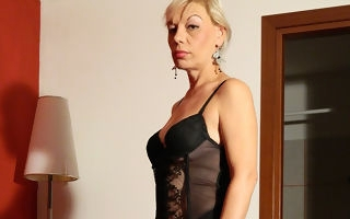 Blonde housewife effectuation with several toys