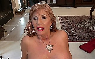 Unclad plus crippling make up this vehement matured dreamboat provides A views to her heavy unpractised titties plus pussy pleasantry time after time up ahead possessions come by enactment